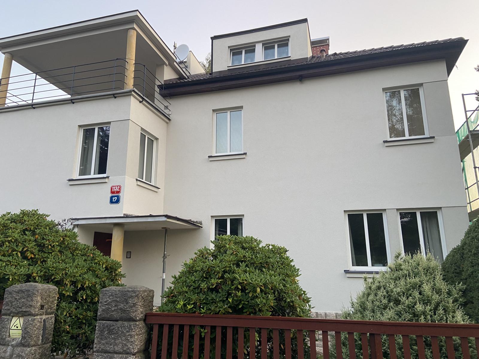 Oprava fasády a klempířských prvků na funkcionalistické vile v Liberci 1